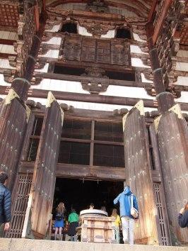 nara japan todaiji temple doors